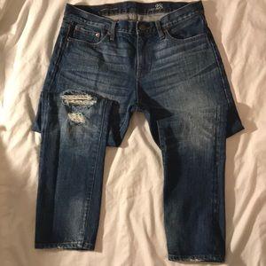 J Crew slim broken in boyfriend jeans. Size 28